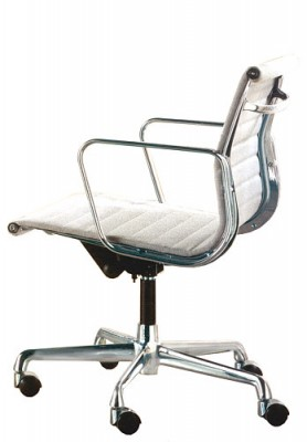 Aluminuim Group Chair EA 117 by Charles Eames (Anilinleder weiss)